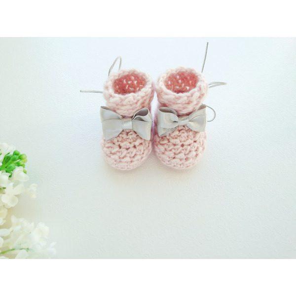 Heegeldatud meriinovillased beebipapud heleroosad beebitüdrukule villased sokid käsitöö