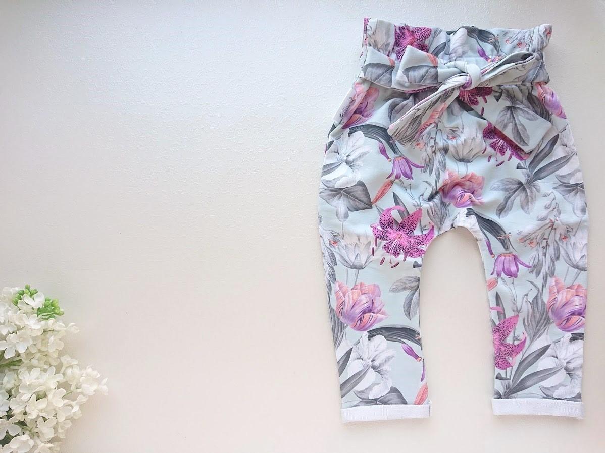 Tüdrukute kõrge pihaosaga püksid paeltega eest soetavad beebipüksid