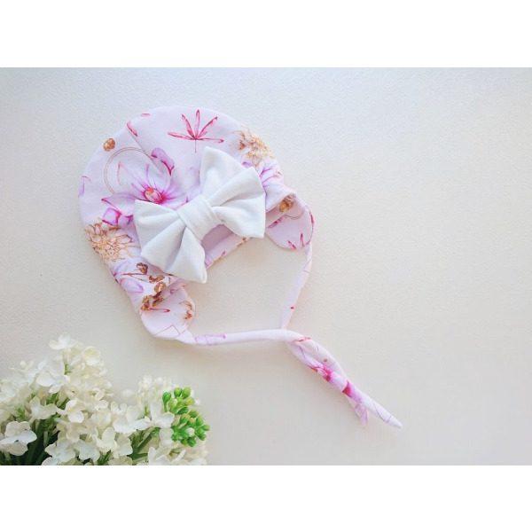 Tüdrukute roosakirju suure valge lipsuga kevadmüts / sügismüts / beebimüts kevadeks ja sügiseks