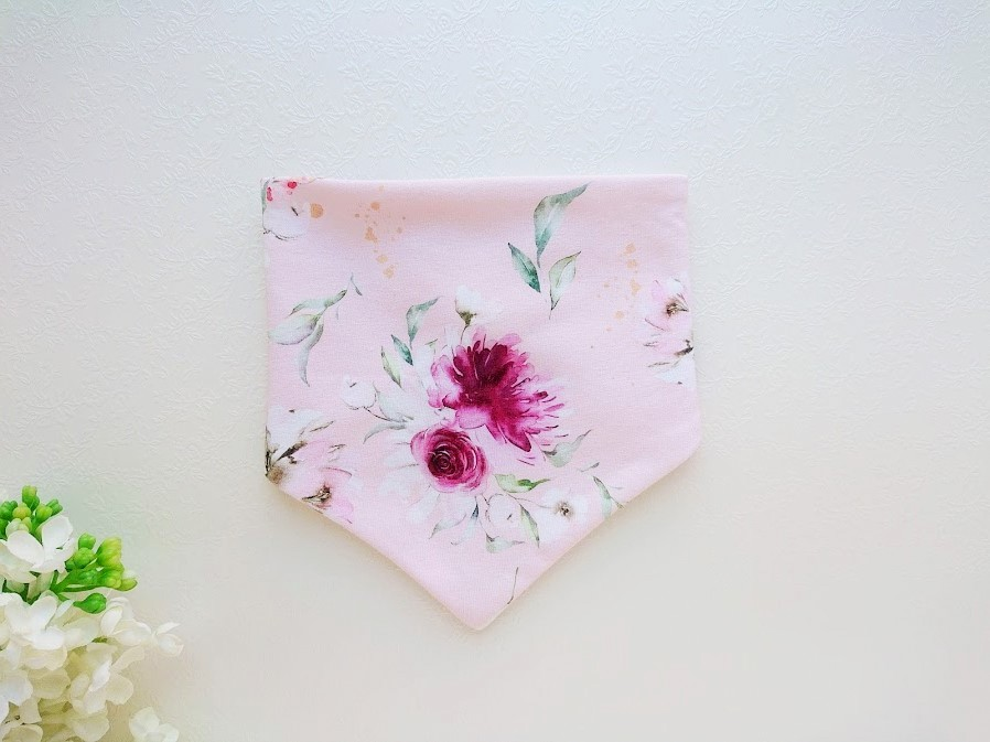 Tüdrukute roosa beebisall kevadeks ja sügiseks