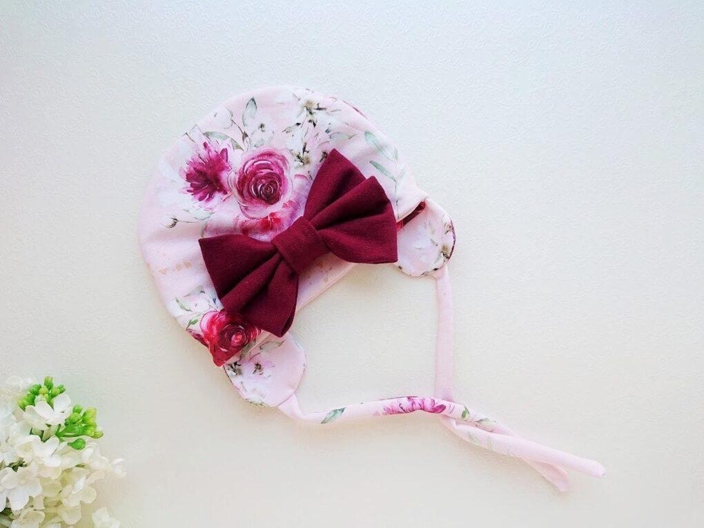 Tüdrukute roosa suure lipsuga kevadmüts sügismüts