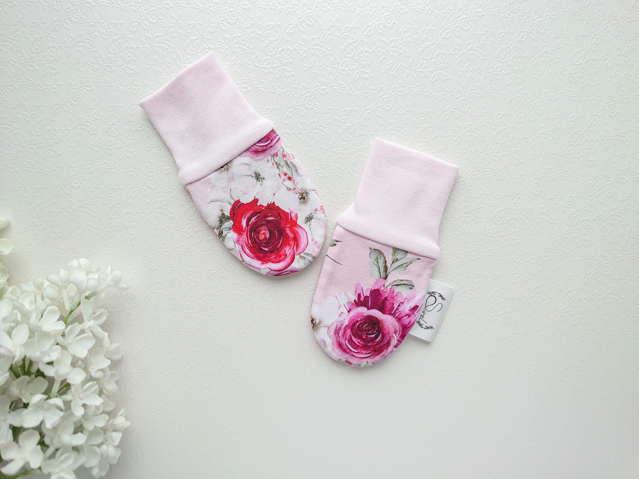 Roosad lilledega beebikindad kevadeks ja sügiseks