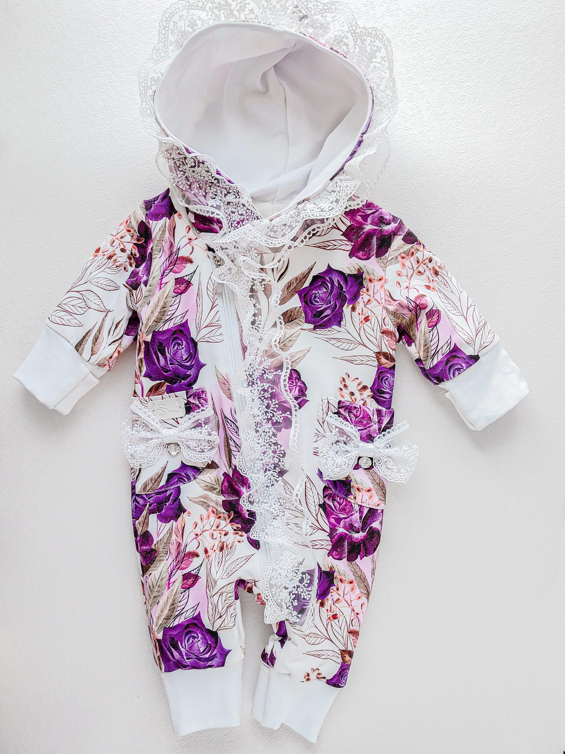 Tüdrukute-lillade-roosidega-ja-valgekirju-meriinkombe-sügiseks-ja-kevadeks-katsikukingitus-kinkekomplekt-beebi-haiglastkojutoomis-komplekt-käsitöökombed-beebikombed