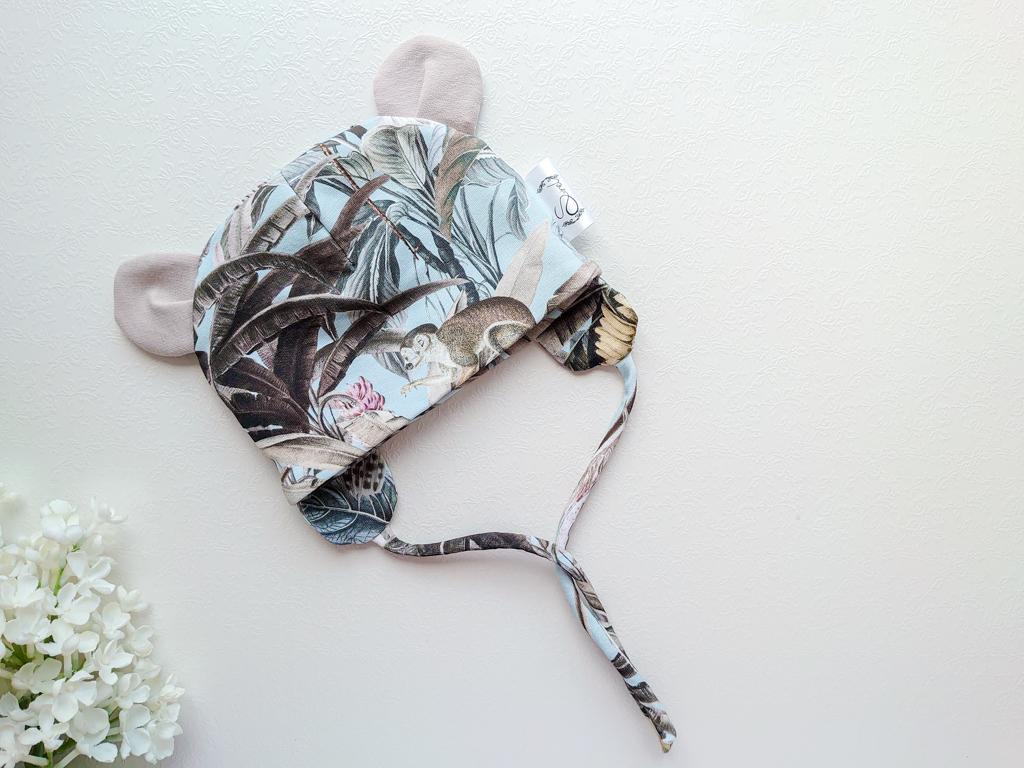 Poiste helesinine ja hall beež kõrvadega kevadmüts sügismüts kösitöömüts beebimüts